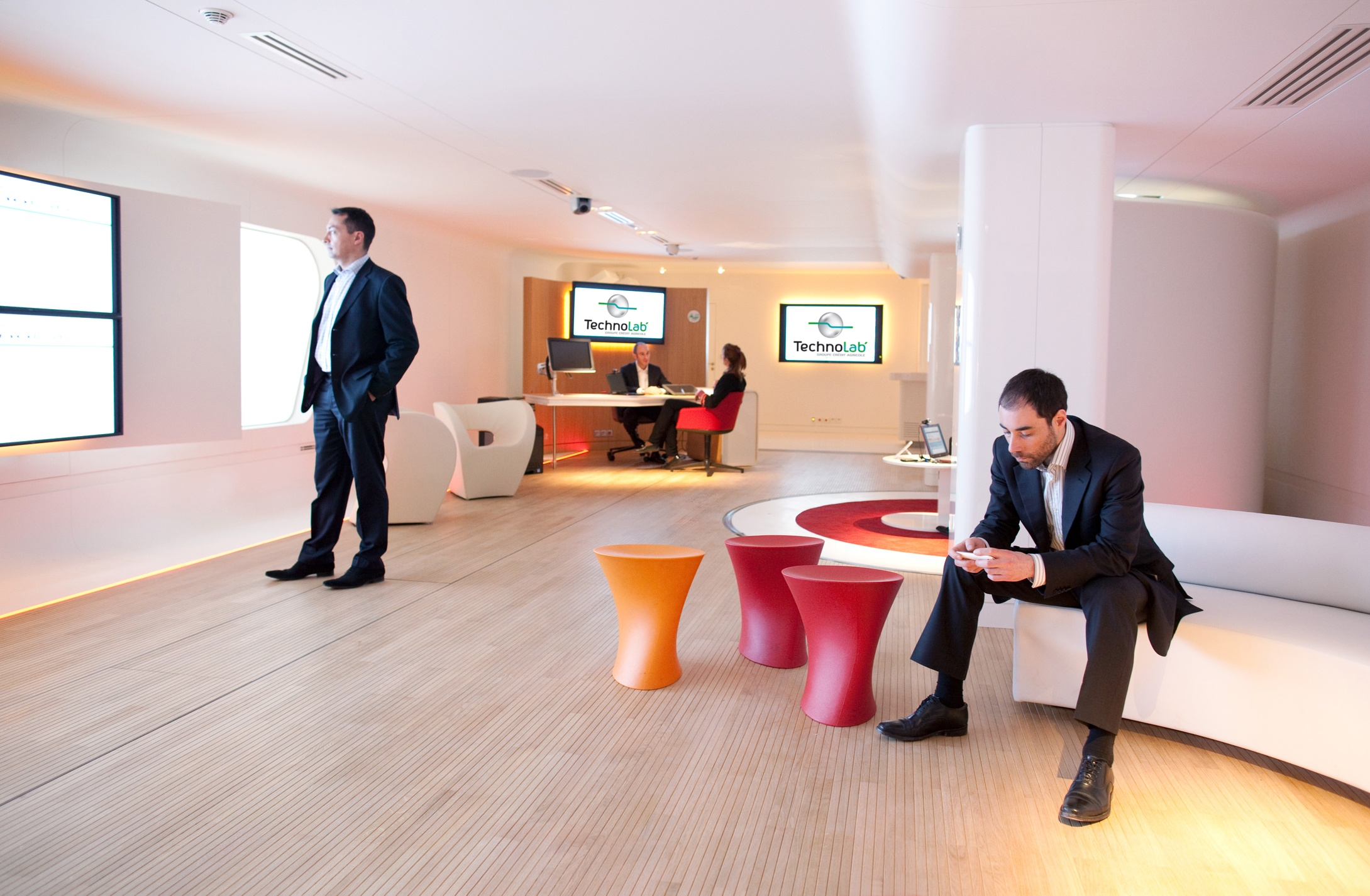 technolab du cr dit agricole comment bureau d 39 tudes audiovisuel et multim dia. Black Bedroom Furniture Sets. Home Design Ideas